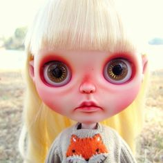 Sweet Little Pipa #blythe #blythedoll #blythedollcustom #repaint #faceup #carving #customdoll #plushimi #faceup #fox #bodyblushing #bigears #dollwithbigears