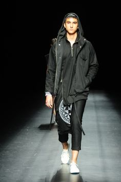 LOOK 5 www.shop.renanpacson.com Shoes by #RFWTokyo