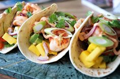 Frisk, Chili, Tacos, Mango, Food And Drink, Yummy Food, Dinner, Ethnic Recipes, Cilantro