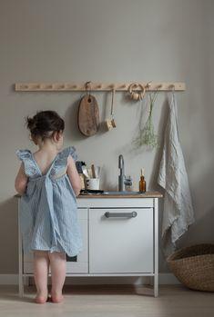 Barnrum, kidsroom, ikea hack kitchen, ikea leksakskök victorialenefors.se