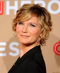Pictures of Jennifer Nettles Short Curly Hairstyle. Get hairstyles ideas and inspiration with Jennifer Nettles Short Curly Hairstyle. Short Curls, Short Wavy Hair, Short Hair With Layers, Curly Hair Cuts, Curly Hair Styles, Short Shag, Thin Hair, Curly Bob, Curly Layers