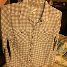 checkered flannel white and gray checkered flannel, never worn! Tops Button Down Shirts