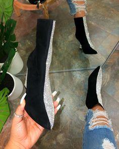 Cute Shoes, Me Too Shoes, Shoes Heels Boots, Shoes Sandals, Stiletto Pumps, Stilettos, Facon, Shoe Closet, Crazy Shoes