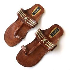 7654a3aa3c66 Dark Brown Indian Leather Kolhapuri Sandals Chappals Shoes for Women Women  Flats Women Sandals Ethnic Flip Flops