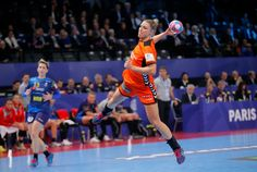 Sophie Marceau, Action Poses, Badminton, Basketball Court, Sports, Handball, Hs Sports, Sport