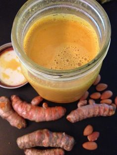 DIY: Anti-Inflammatory Turmeric-Almond Milk
