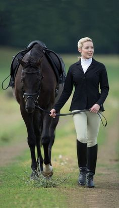I just have this unexplainable thing for black horses. I cannot explain it Women's Equestrian, Equestrian Outfits, Equestrian Fashion, Horse Girl, Horse Love, Horse Riding, Riding Boots, Book 15 Anos, Estilo Preppy