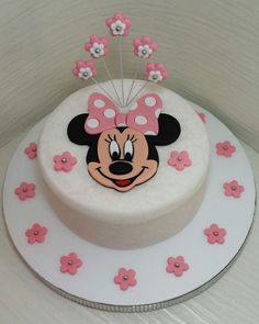 Minnie Mouse edible cake topper set by on Etsy Minnie Mouse Cake Topper, Mini Mouse Cake, Minnie Mouse Cookies, Bolo Minnie, Minnie Mouse Birthday Cakes, Mickey Cakes, Little Girl Birthday Cakes, Edible Cake Toppers, Girl Cakes