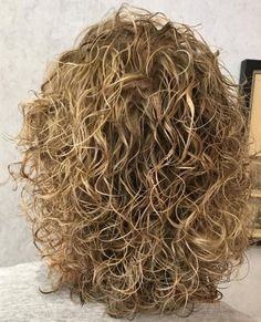 50 Gorgeous Perms Looks: Say Hello to Your Future Curls! Blonde Perm Hair with Thin Defined Curls Su Short Permed Hair, Curly Perm, Medium Permed Hairstyles, Wave Perm Short Hair, Body Wave Perm, Body Wave Hair, Medium Hair Styles, Curly Hair Styles, Natural Hair Styles