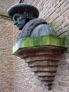 Erasmus - Gouda www.schrijversbeelden.nl