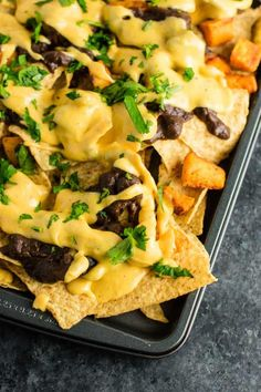 Easy 5 minute nacho cheese sauce recipe (gluten free) #nachocheese #nachocheesesauce #appetizers #mexicanfood #nachos #glutenfree