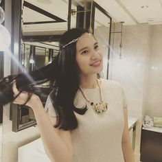 Miss @fannyqueimena looks stunning wearing our necklace   #jualaksesoris #jualkalung #jualkalungpanjang #kalungpanjang #kalungpesta #jualkalungpesta #kalungmurah #jualkalungmurah #kalungfashion #kalungcantik #kalungonline #blousemurah #blousekerja #jualblouse #jualcelana #celanakulot #kulot #blousemurah #bajuwanita #bajukerja #bajukantor #bajumurah #celanamurah by siegrid.id