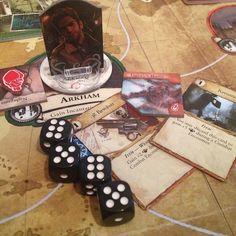 Quando você joga querosene na bruxa e depois dá um tiro de.38 nela meu jogo preferido  #boardgames #jogodetabuleiro  #eldritch