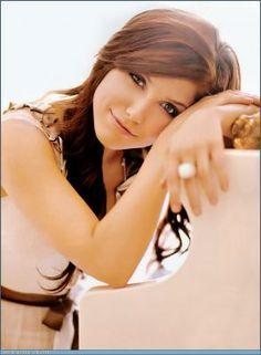 Sophia Bush :)