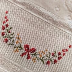 1 million+ Stunning Free Images to Use Anywhere Cross Stitch Borders, Cross Stitch Designs, Cross Stitching, Cross Stitch Embroidery, Hand Embroidery, Cross Stitch Patterns, Blackwork Patterns, Hungarian Embroidery, Free To Use Images