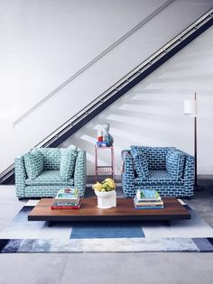 Hockeny-inspired interiors: Vibrant and sunny decorating ideas FURNITURE Tom Foolery armchairs, from each, Sofa Workshop; Interior Design Magazine, Interior Photo, Sofa Workshop, Living Etc, Interior Stylist, Elle Decor, Scandinavian Design, Colorful Interiors, Vibrant Colors