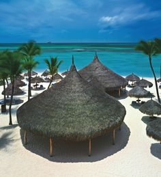 Escape to the beach in Aruba