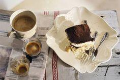 Dit Italiaanse nagerecht heeft het allemaal: romige mascarpone, espresso en chocolade - Recept - Klassieke tiramisu - Allerhande