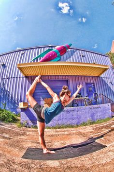 Live in the Austin area? Like Yoga? Check out this awesome yoga studio! - I want to try this!!