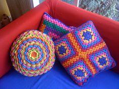 Finalmente ficou pronta (o lado de trás da futura almofada) - Pillows by ColoridoEcletico - por Cristina Vasconcellos, via Flickr
