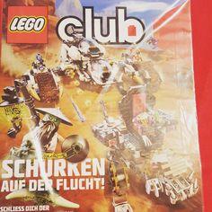 K2 ist total aus dem Häuschen. Das im MAI bestellte Lego Club Magazin ist heute endlich angekommen. Eigentlich sollte spätestens nach sechs Wochen eine  Zeitschrift kommen aber hey...Wir können warten. #Lego #legofan #legofamilie #mamablog #papablog #germanblogger #blogger_de #elternblog #familienblog