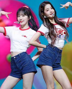 Kpop Girl Groups, Kpop Girls, Jang Wooyoung, Eyes On Me, Sakura Miyawaki, Korean Girl Fashion, Japanese Girl Group, 1 Girl, Look Alike