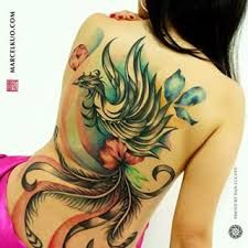 Resultado de imagem para tatuagens femininas nas costas fenix
