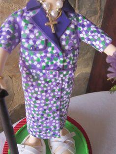 fofucha personalizada: detalle del vestido totalmente pintado mano y en goma eva. elenamertinlopez.blogspot.com