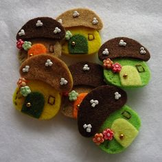 DOUBLE LAYERS Mushroom House Felt Applique (Fall Colors) - set of 6 pcs