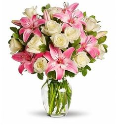 Send the Always a Lady bouquet of flowers from Classic Florist & Home Decor, LLC in Dublin, GA. Local fresh flower delivery directly from the florist and never in a box! Flowers Today, Flowers Online, All Flowers, Amazing Flowers, Fresh Flowers, Wedding Flowers, Elegant Flowers, Flower Colors, Send Flowers