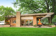 Aletha and Greg VanderMaas' Michigan home has them in a midcentury modern state of mind. More about this home: http://www.midwestliving.com/homes/featured-homes/midcentury-modern-frame-of-mind/