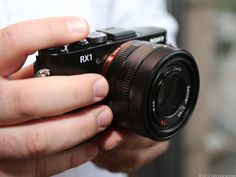 The full-frame compact by Sony : the RX1. It would be definitely the perfect gift for Christmas if it was cheapest than the 3200$ required.