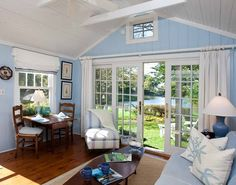 Super adorable beachy cottage at Cabot Cove, Kennebunkport, Maine: http://beachblissliving.com/cabot-cove-cottage-kennebunkport-maine/