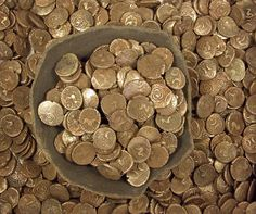 The Wickham Market Iron Age coin hoard of 840 gold staters