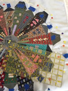 Dresden Wonky Neighborhood at the Mid-Atlantic Quilt Festival – divadiversion Tumbling Blocks Quilt, Quilt Blocks, Dresden Plate Quilts, Applique, Miniature Quilts, House Quilts, Quilt Festival, Quilted Table Runners, Mini Quilts