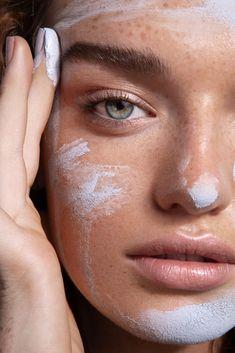Skincare Mask Beauty Photography Skincare Editorial Beauty Photography by Kayleigh June. Beauty Skin, Beauty Makeup, Hair Makeup, Makeup Blog, Beauty Photography, Lotion Tonique, Brunette Makeup, Jojoba, Wedding Makeup Looks