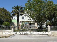 Apartmány Chorvatsko ::: Petrčane : Apartmani Ankica. www.UvCH.cz
