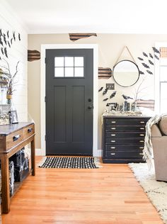 Awesome tips and ideas for decorating a spooky Halloween home for less!