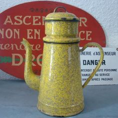 VINTAGE CAFETIERE TOLE EMAILLEE INDUSTRIEL LOFT FRENCH ENAMELWARE COFFEE POT