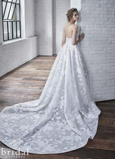 Sweet and romantic, this A-line wedding gown features a unique burn-out print organza giving depth to the gown's print. Edgy yet feminine, its low plunging sweetheart line and high leg slit tells a story of adventure. Complete with an invisible zipper, this is truly a one-of-a-kind gown. Carina is available at Bridal Wardrobe to buy or rent come to us for timeless elegance and the manor of all bridal wear. We hire out exclusive brand name wedding weddings. Bringing luxury bridal wear to… Princess Wedding Dresses, Wedding Party Dresses, Bridal Dresses, Bridal Gown, Amazing Wedding Dress, Wedding Dress Pictures, Vows Bridal, Badgley Mischka Bridal, Bridal Wardrobe