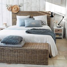 Discover Maisons du Monde's [product_name]. Browse a varied range of stylish, affordable furniture to add a unique touch to your home. Beach House Bedroom, Beach House Decor, Home Bedroom, Bedroom Decor, Home Decor, Seaside Bedroom, Bedroom Ideas, Summer Bedroom, Seaside Decor