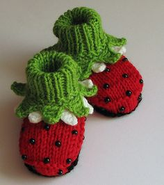 Baby Booties Ladybugs / 46M by zecite on Etsy