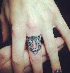 21 Tatuajes sencillos y pequeños ¡Te enamorarán! - CABROWORLD