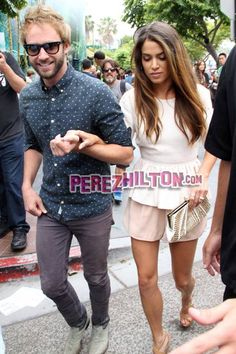 She´s a drop-dead-gorgeous Twilight star. He´s her Idol husband.   Together, Nikki Reed and Paul McDonald ventured through the depths of Comic-Con fans as they left their San Diego hotel...