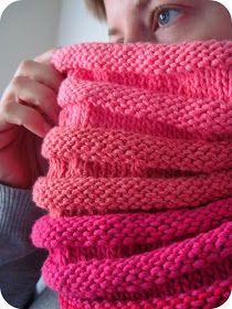 Cornflower Blue: free knitting pattern :: accordion cowl