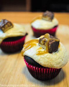 Unbelievably Delicious Snickers Cupcakes