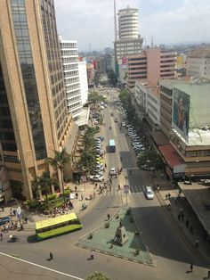 An African mixed grill and a safari Paises Da Africa, East Africa, International Volunteer Programs, Nairobi City, Global Map, Mixed Grill, Upcoming Artists, Beautiful Sites, African Culture