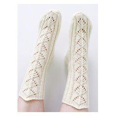Villiviinit / Wilder Wein pattern by Niina Laitinen High Socks, Knits, Knitting, Pattern, Design, Fashion, Sock Knitting, Moda, Thigh High Socks