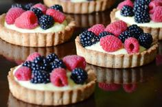 La Madeleine Fruit Tart from French Toast, Cheesecake, Salad, and 20 Other Recipes to Make With Berries