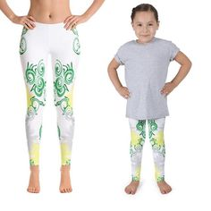 Mom and daughter leggings. Kids Fashion. Kids outfits ideas. Fit mom outfits.